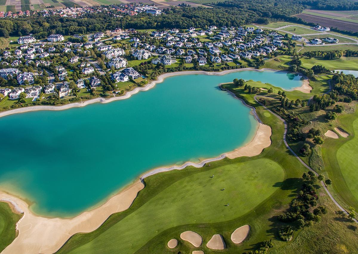 Golf & Living